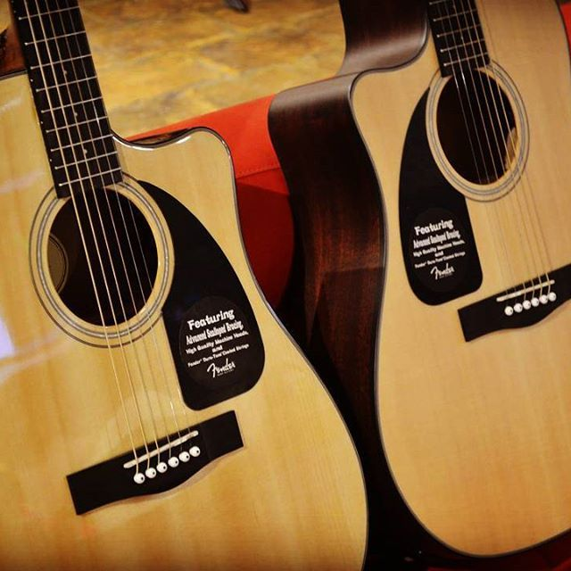 Violões Fender para todos os estilos e pegadas a partir de R$ 1.590,00 com hardcase!!! #VemPraOpen Acesse www.lojaopenstage.com.br e confira!! #lojaopenstage #openstage #musicstore #coffeeshop #fender #fenderguitars #fenderacoustic #acousticguitar #acoustic #lefty #lh #cf60 #cd60 #cd100