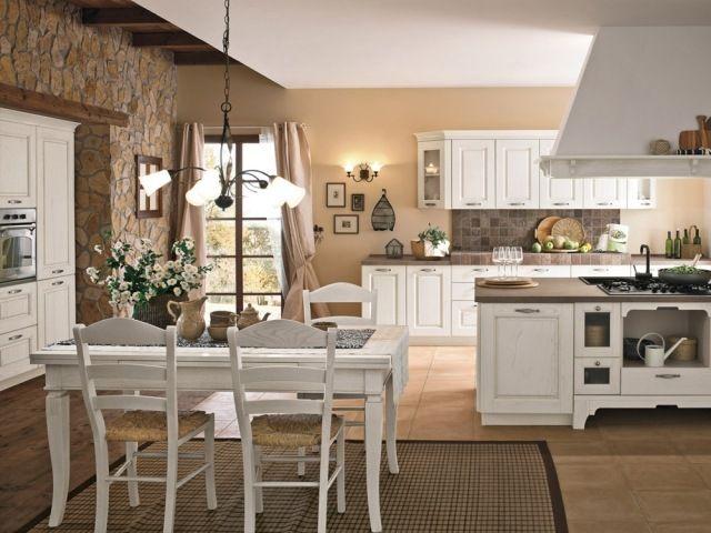 cuisine de style vintage avec une table rectangulaire en bois et chaises