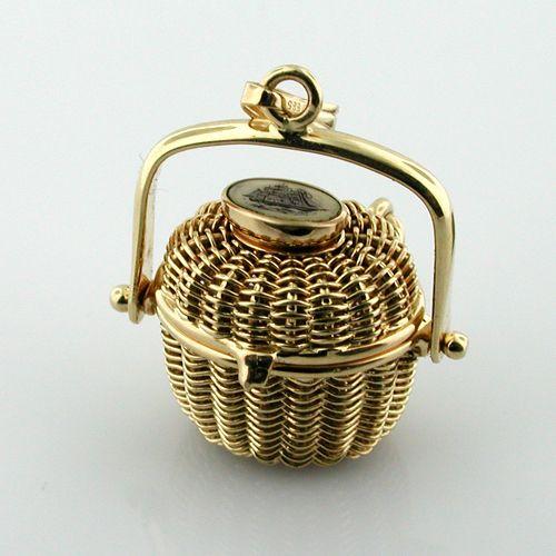 14k Gold Vintage Scrimshaw Nantucket Basket Charm Pendant with Lucky Penny