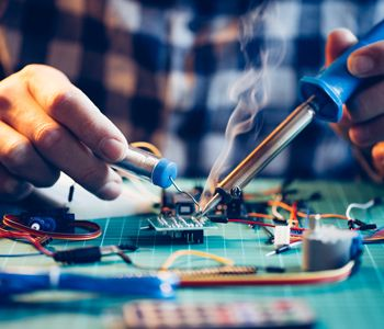 There are a large number of service providers offering limited and quite specific solutions for laptop repair Boynton Beach.