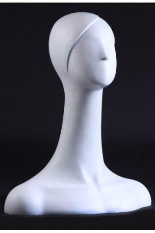 Cabeza de maniquí modelo Capri. Mujer sin facciones esculpida en blanco a la venta en: http://www.urdi.es/venta-de-cabezas-comercio/17-capri.html