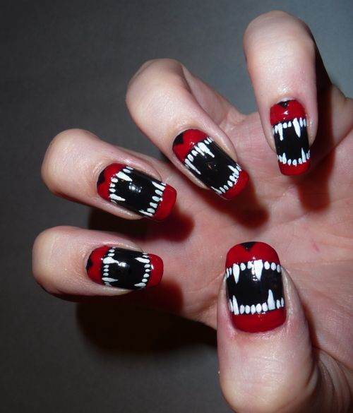 Vampire NailsNailart, Nails Design, Nailsart, Halloween Nails Art, Nails Polish, Monsters, Vampires Nails, Halloween Diy, Art Nails