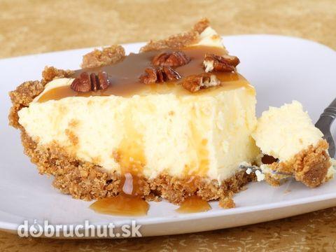 Karamelový cheesecake s orieškami