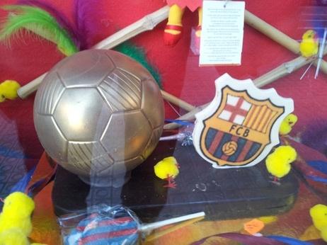 """Ligue des Champions: le FC Barcelone, le poids de lhistoire - France Info. """"Ce catalanisme reste très présent aujourd'hui, alors que la Catalogne menace de faire sécession. Beaucoup considèrent que le Barça est un miroir de leur société et de la nation qu'ils veulent construire."""""""