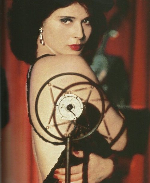 Isabella Rossellini -Blue Velvet by David Lynch (1986) <3 ....