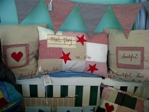 Google Image Result for http://www.hotfrog.co.za/Companies/Mias-Room/images-pr/Handmade-scatter-cushions-35844_image.jpg