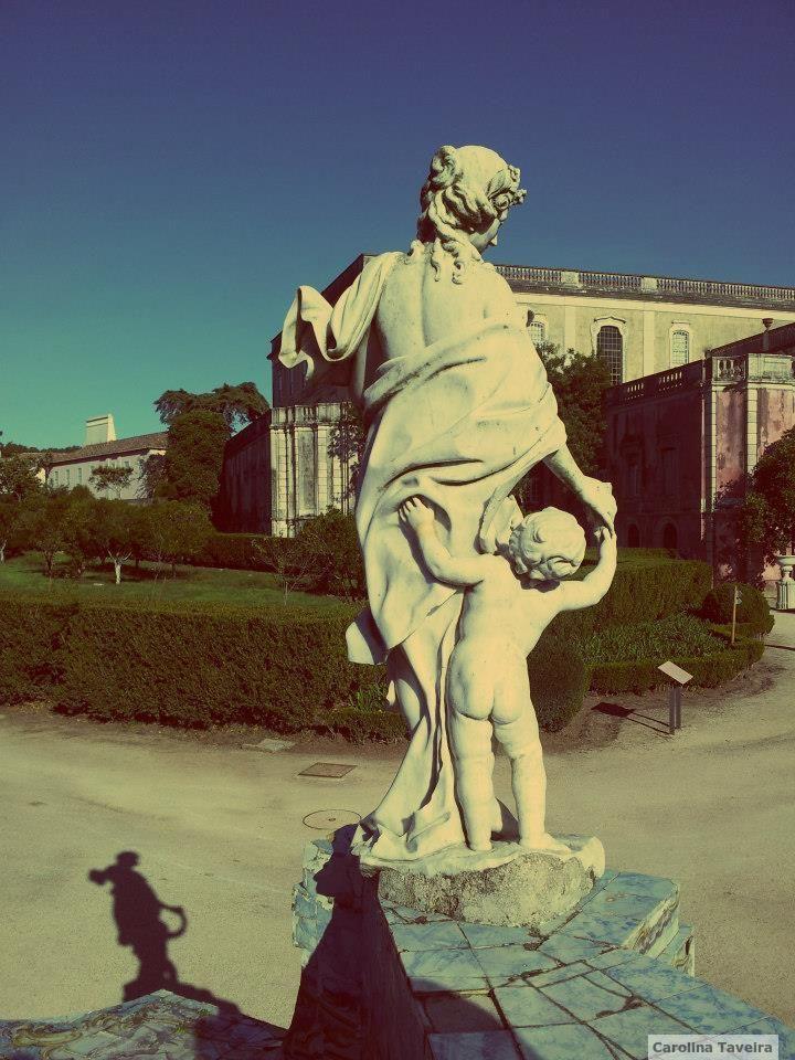 Palácio de Queluz.  #PalacioDeQueluz #statue #garden