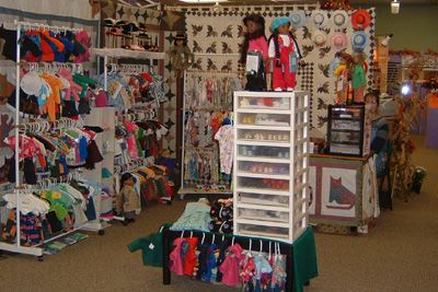 Jane ruhl 39 s display doll clothes displays for craft fairs for Country christmas craft show