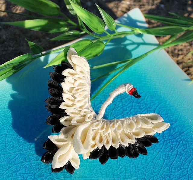 Kanzashi Swan