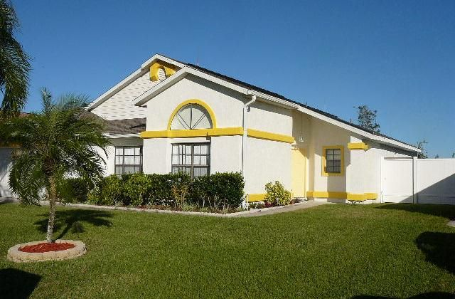 4 Bedroom Home in Kissimmee to rent from £395 pw. With air con, Telephone, TV and DVD.