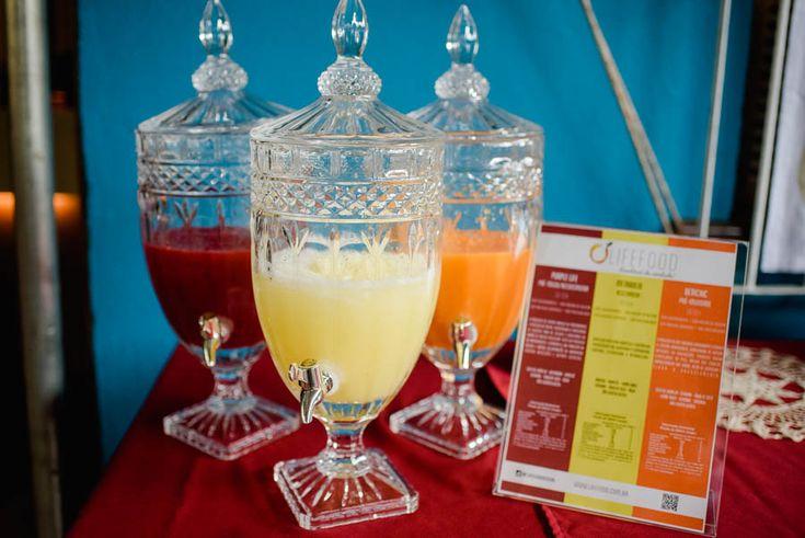 O registro do chá de panela da Débora Alcantara. Fotos lindas de um evento muito especial. Decoração estilo Baho, colorida e ao ar livre.