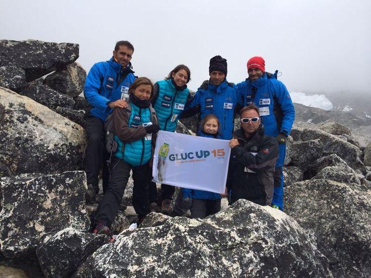 Cumbre!!! El equipo ha alcanzado su meta!! #Diabetes #Everest #NoHayLimites