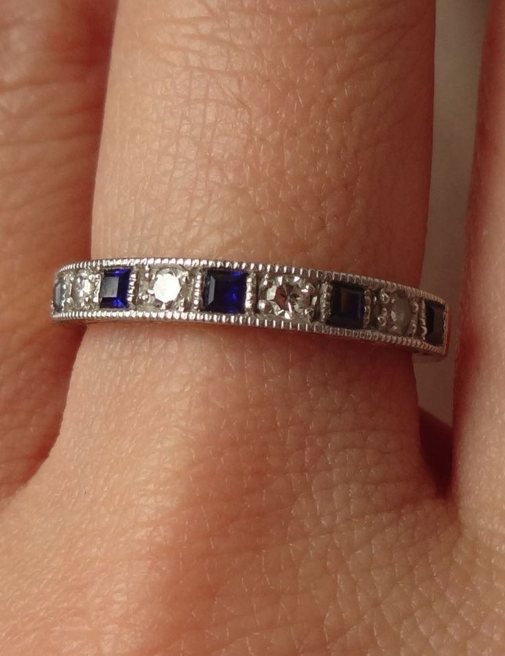 Vintage Sapphire and Diamond Ring. I'll take that for my right hand please! Or as an anniversary band on my left