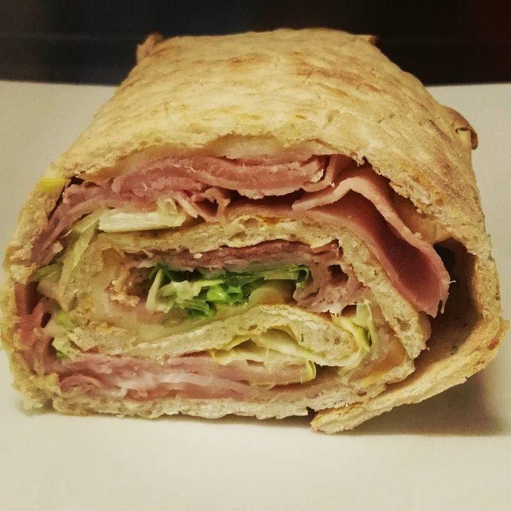 Rotolone farcito #pizza #rotolone #farcito #prosciutto #instafood #larustica #agazzano #valluretta