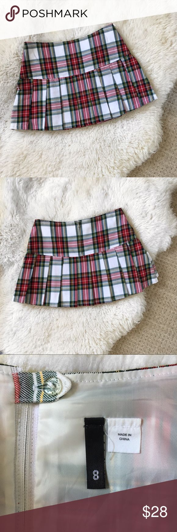 H&M Plaid Schoolgirl Skirt Size 8 H&M Red & White Pleated Plaid Skirt. School girl style. Poly-Rayon Blend. Size 8. Worn once for a costume. Perfect for dress up or cosplay. H&M Skirts Mini