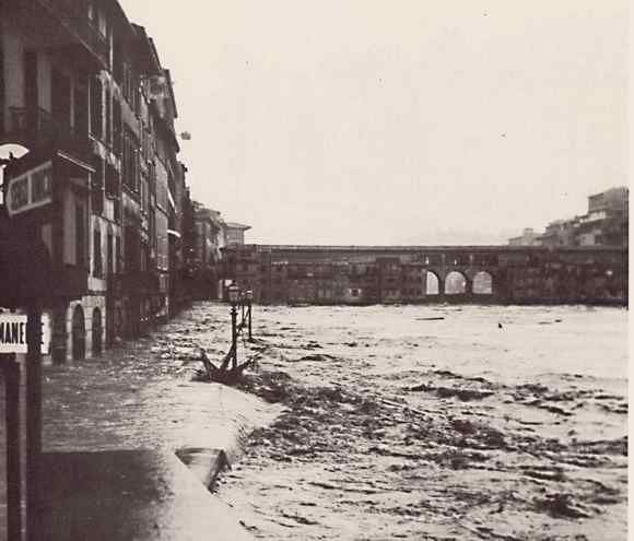 1966: flooding of the Arno