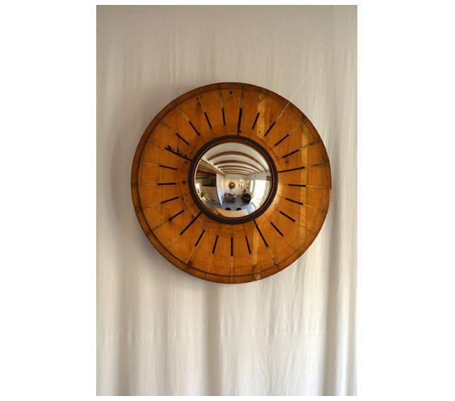 #Espejo #convexo de #AlejandrodelaTorre de 30 cm. Ø, piano. 80x80x12 cm. #convex #mirror #mirall #diseño #design #disseny #barcelona