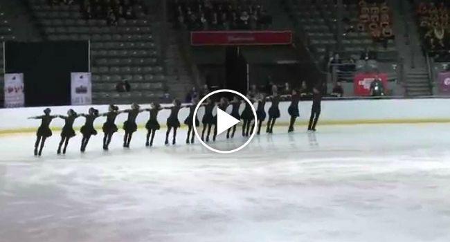 16 Patinadores De Gelo Levam Público Ao Rubro Com Impressionante Coreografia http://www.funco.biz/16-patinadores-gelo-publico-ao-rubro-com-impressionante-coreografia/
