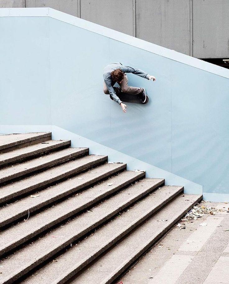 #LL @LUFELIVE #thepursuitofprogression Wall Ride #Skateboarding