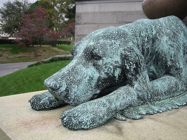 Grieving dog green bronze Cemetery statue 122-2290 IMG by Brechtbug, via Flickr