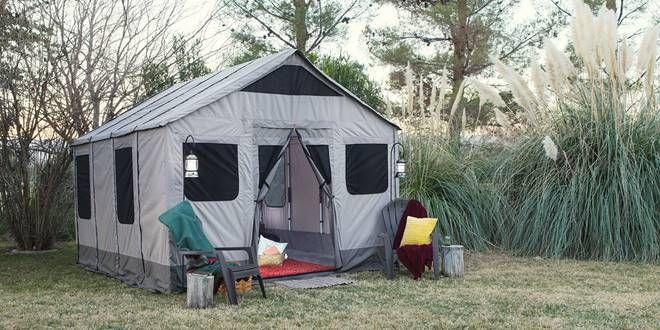 Camping. Χρήσιμες συμβουλές και ο απαραίτητος εξοπλισμός περισσότερα στο : http://www.helppost.gr/diakopes/travel-tips/camping-simvoyles-exoplismos/