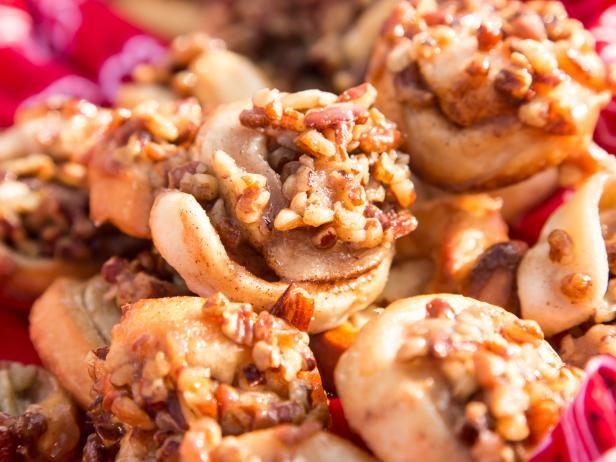 Mini Pecan Sticky Buns Recipe | Ree Drummond | Food Network