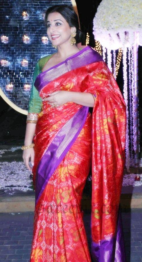 Vidya-balan-in-red-kanjeevaram-silk-saree