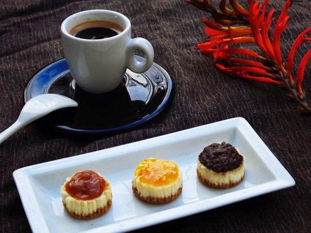 Gourmand & Gourmet: Mini cheesecake au caramel,oranges amères et ganac...