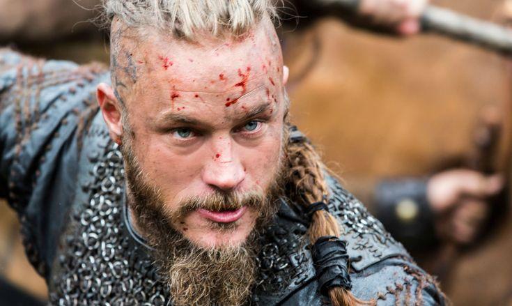 El famoso vikingo Ragnar Lothbrok es una influyente figura en la historia escandinava, cuya vida se funde con la leyenda.