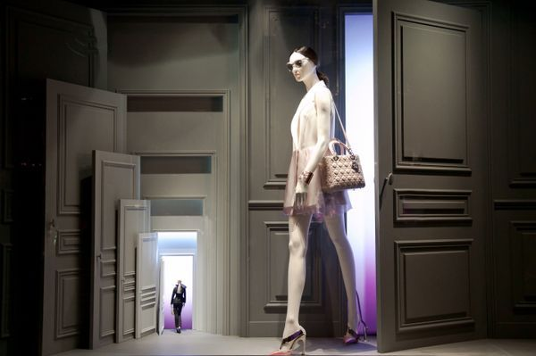 Window Mannequins REALISTIC DIOR. MINIATURE <br/>- bespoke creation