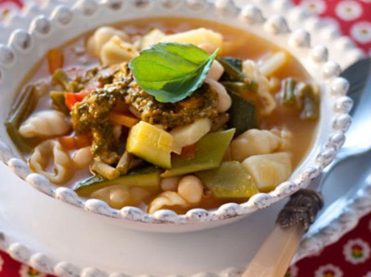Découvrez la recette Soupe au pistou sur cuisineactuelle.fr.