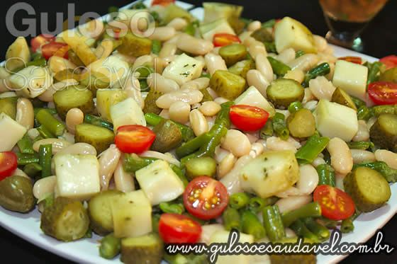 Salada de Feijão Branco e Vagem » Receitas Saudáveis, Saladas » Guloso e Saudável http://www.gulosoesaudavel.com.br/2012/08/13/salada-feijao-branco-vagem/