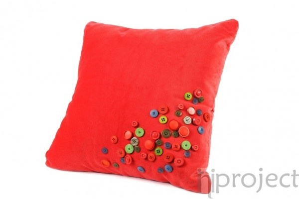 Red Velvet Buttons Cushion ~ Bantal Produk Design Interior