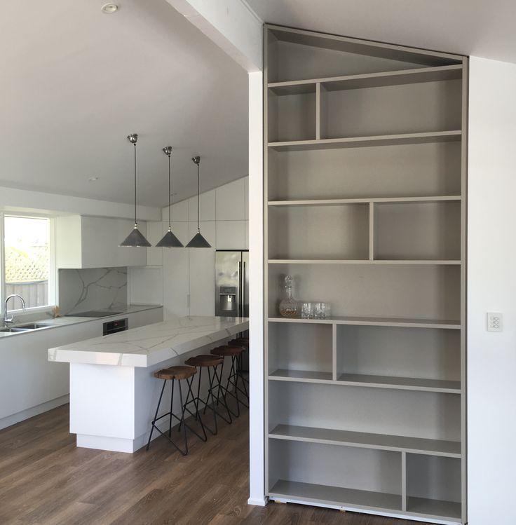 Polyurethane Bookcase