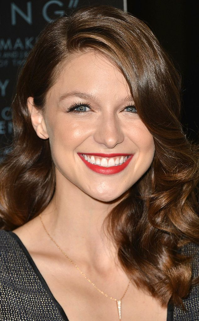 Image from http://www.eonline.com/eol_images/Entire_Site/2015022/rs_634x1024-150122092815-634.Melissa-Benoist-Supergirl.jl.012215.jpg.
