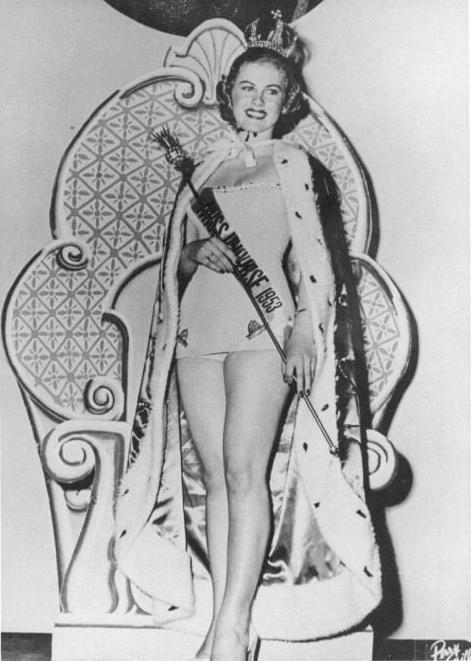 Miss Universo 1952 - Armi Kuusela - Finlândia