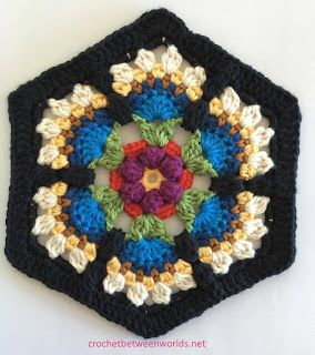 Crochet between worlds: Frida's Flowers CAL - Block 3 - Bird of Paradise