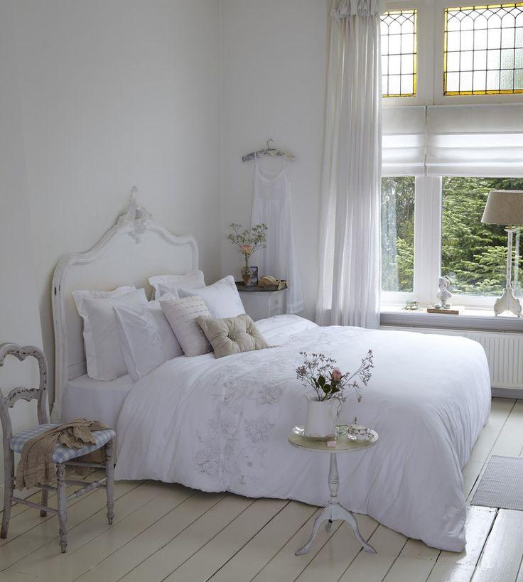 25 beste idee n over wit dekbed slaapkamer op pinterest wit beddengoed decor appartement - Deco romantische ouderlijke kamer ...