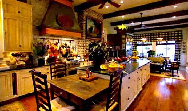 Paula Deen S Kitchen In Savannah Ga Mansions Home And