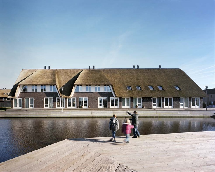#FAROarchitects - Thatched roofs for Hoogeveen