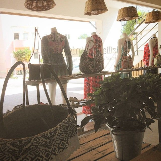 Sunny days in Agia marina are just lovely ❤️#justbrazilstore #agiarina #windows #beachbags #strawbags #fresh #summerfeelings #beachstore #beachwear #beachhirls #style