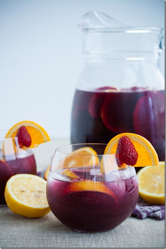 Red Wine Sangria with Citrus fruits and Strawberries #recipe #cocktails #drinksrecipe