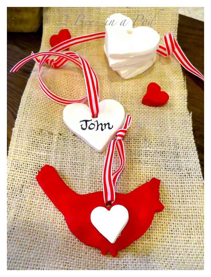 Homemade white clay gift tags for Valentines Day. Very easy to make clay using baking soda, corn starch and water. Use any cookie cutters or...