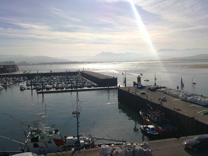 Puerto de Santoña(Santander)