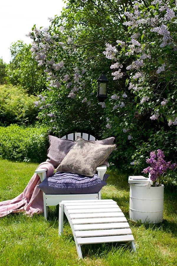 Romantikus részlet egy Annette Nordstrom által dekorált kertből
