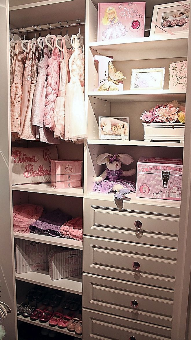 Small Walk In Closet Decorating Ideas