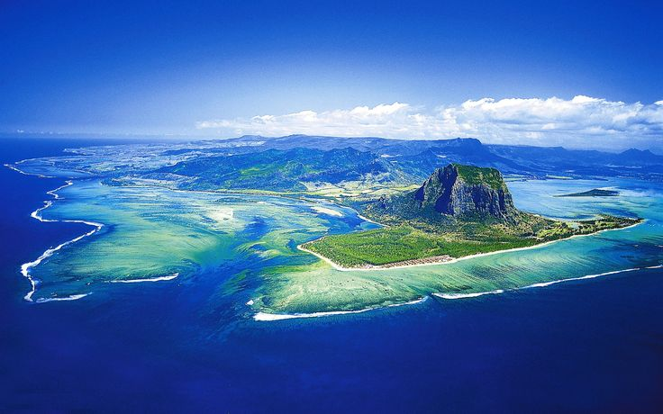 10 Amazing Facts About Mauritius