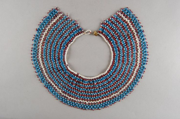 Xhosa collar from the Mpondomise tribe, mid 1900's. This colour combination was mainly worn by young adults. British Museum collection.
