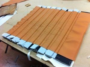 Diamond Tuck N'roll Upholstery   Klassisk Tuck n Roll med 3″ pipor till en Adler -37
