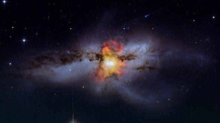 Naukowcy ostrzegają: czarne dziury zmierzają do potężnej kolizji